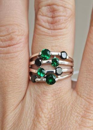 Серебряное кольцо сияние зеленое р.18,5