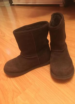 Продам угги натуральные зимние сапоги ботинки