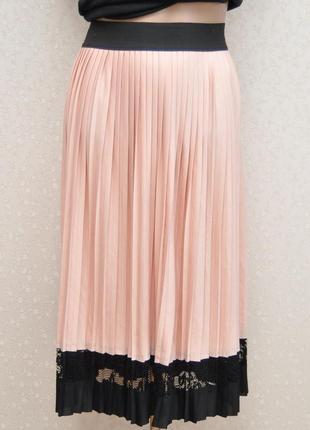 Пудровая юбка-плиссе, плиссировка, с кружевом...