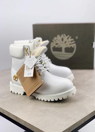 Белые женские зимние ботинки timberland разные размеры в наличии
