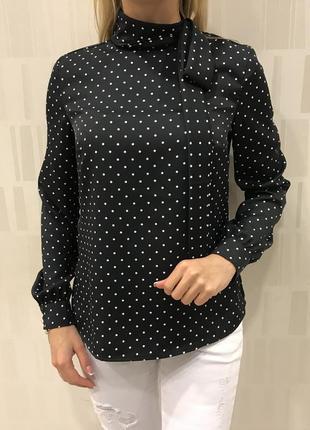 Чёрная блуза в горох нарядная блузочка с бантом. mohito. размеры уточняйте.