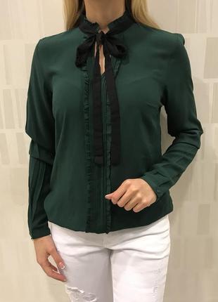 Нарядная блуза лёгкая блузочка из вискозы. mohito. размеры уточняйте.