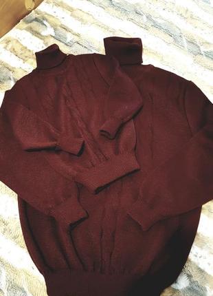 Продам 2 новых шерстяних свитера папа-сын