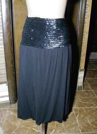Красивая вискозная юбка тюльпан в пайетках  s-m