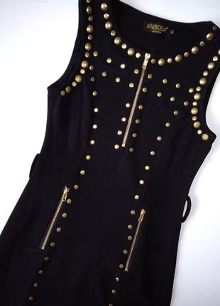 Платье черное по фигуре