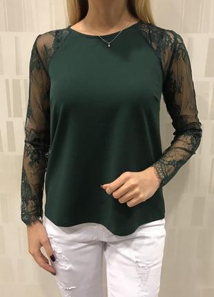 Зелёная блузка с кружевными рукавами нарядная блуза. mohito.