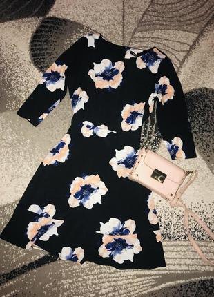 Платье в цветочном принте,размер l-xl