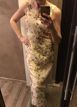 Эффектное платье- цветы