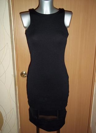 Элегантное черное платье с сеткой