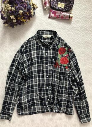 H&m рубашка в клетку с вышивкой 16- размер