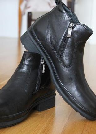 Зимние классисеские ботинки. кожа . размер 40.