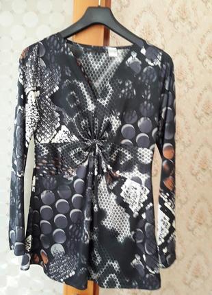Туника- блуза новая трикотажная  46-й размер