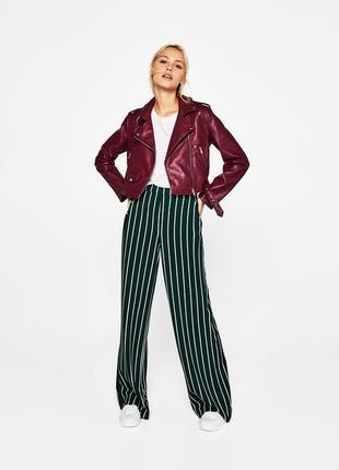 Шикарні брюки в полоску bershka
