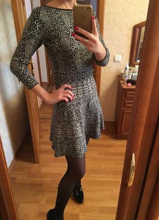 Стильное платье с открытой спинкой вискоза zara