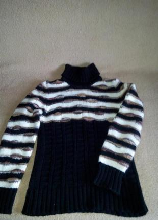 Шикарный теплый свитер необычной вязки