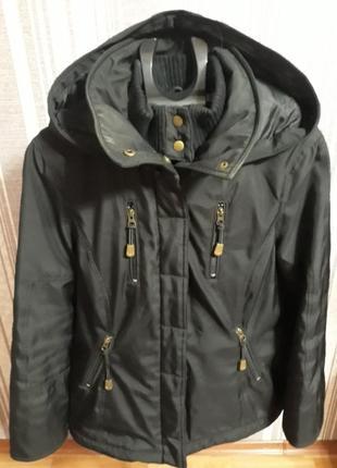 Спортивная фирменная куртка/ парка  сезон осень/зима защита от воды и ветра