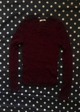 Красная обтягивающая кофта свитер водолазка с вырезом размер м