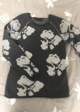 Красивый теплый свитер