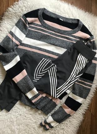 Шикарный джемпер свитерок гольф в рубчик нежный