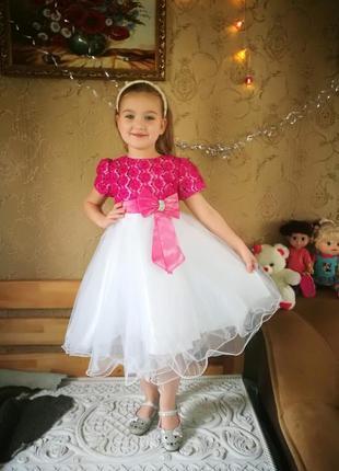 Шикарнейшее платье she looks london 6-8 лет