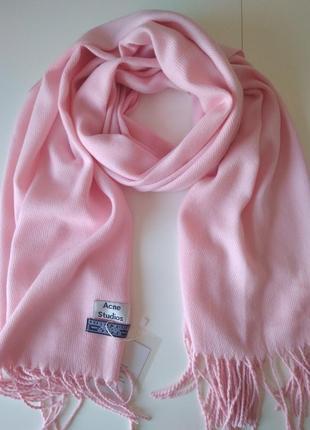Изысканный нежно-розовый шарф, палантин acne studios, 100% овечья шерсть.
