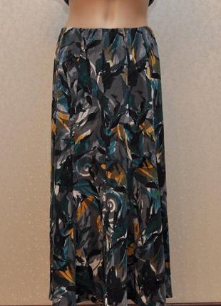 Роскошная юбка  в интересный принт, комбинированная ткань, бархатные элементы рисунка..