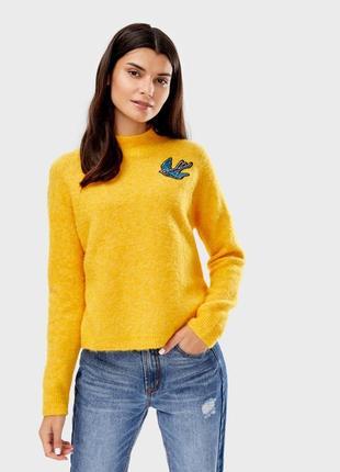 Очень красивый мягкий теплый желтый свитер джемпер оstin