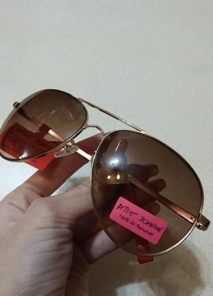 Солнцезащитные очки betsey johnson