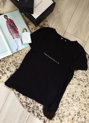 Базовая футболка zara с надписью
