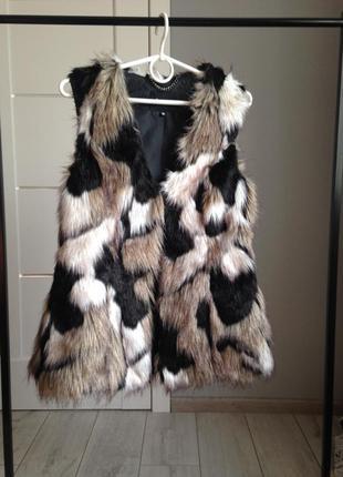 Меховая жилетка с имитацией кроличьего меха/ брэндовые вещи - доступные цены!!!