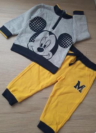 Спортивный костюм disney c&a mickey  80 р