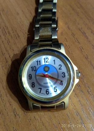 Золотистые часы из сша механизм yapan miyota