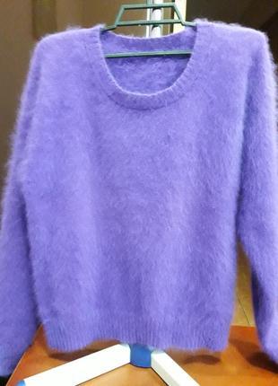 Свитер из мохера красивого фиолетового цвета