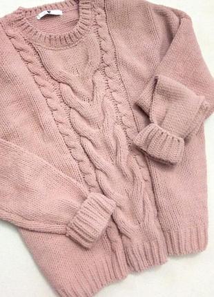 Трендовый велюровый свитер пудрового цвета