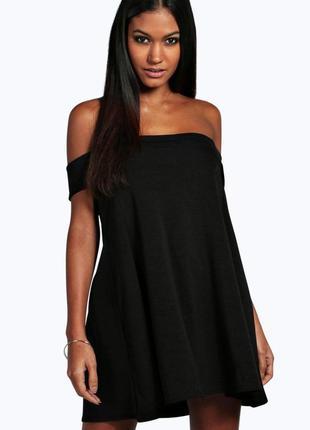 Стильное черное платье-трапеция с открытыми плечами boohoo