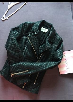 Очень клевая  стеганая куртка косуха zara