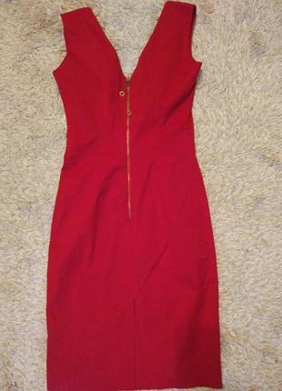 Красное вечернее платье (подойдёт и для деловых встреч)