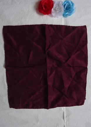 Фирменный нагрудный платочек из шелка