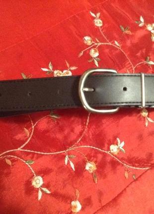 Базовый чёрный  ремень  в гардеробе для дюймовочки