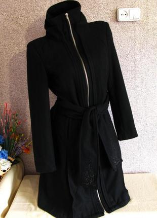 Женственное пальто на молнии 55% шерсть в отличном сост. р-р eur 36/ 38