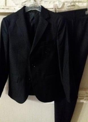 Новый школьный костюм турецкой фирмы javiero, р. 44 черн. скидка