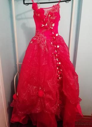 Красная бальное платье   подъюбник в подарок