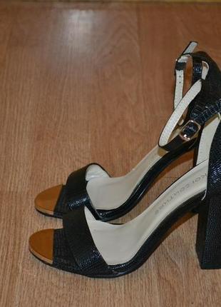 Трендовые босоножки koi couture