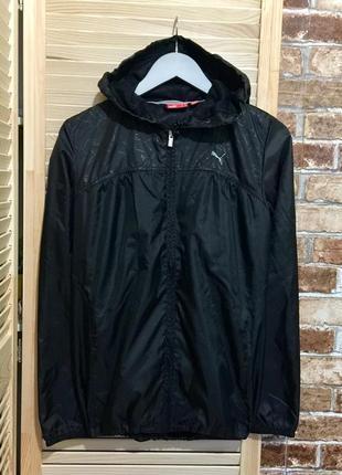 Черная куртка, ветровку от puma.