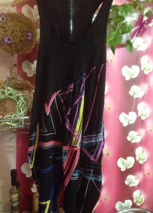 Летнее платье бочонком с абстрактным рисунком