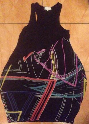 Летнее платье бочонком с абстрактным рисунком3 фото