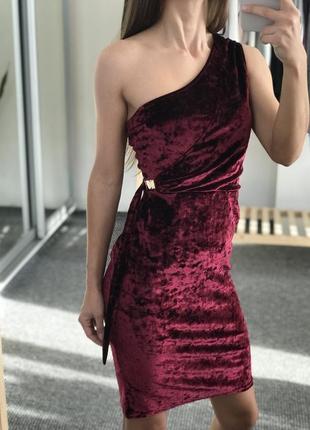 Новое красивое платье boohoo 38-40