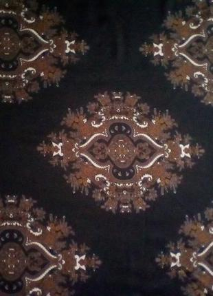 Большой шерстяной платок,шаль,118*119 см.