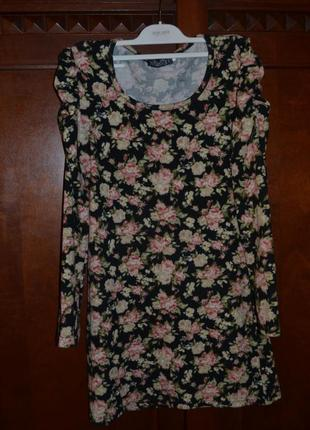 Коротке трикотажне плаття в квітковий принт
