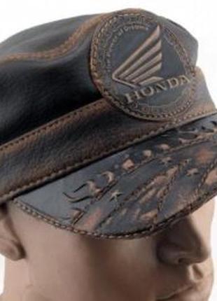 Кожаная кепка-немка honda.